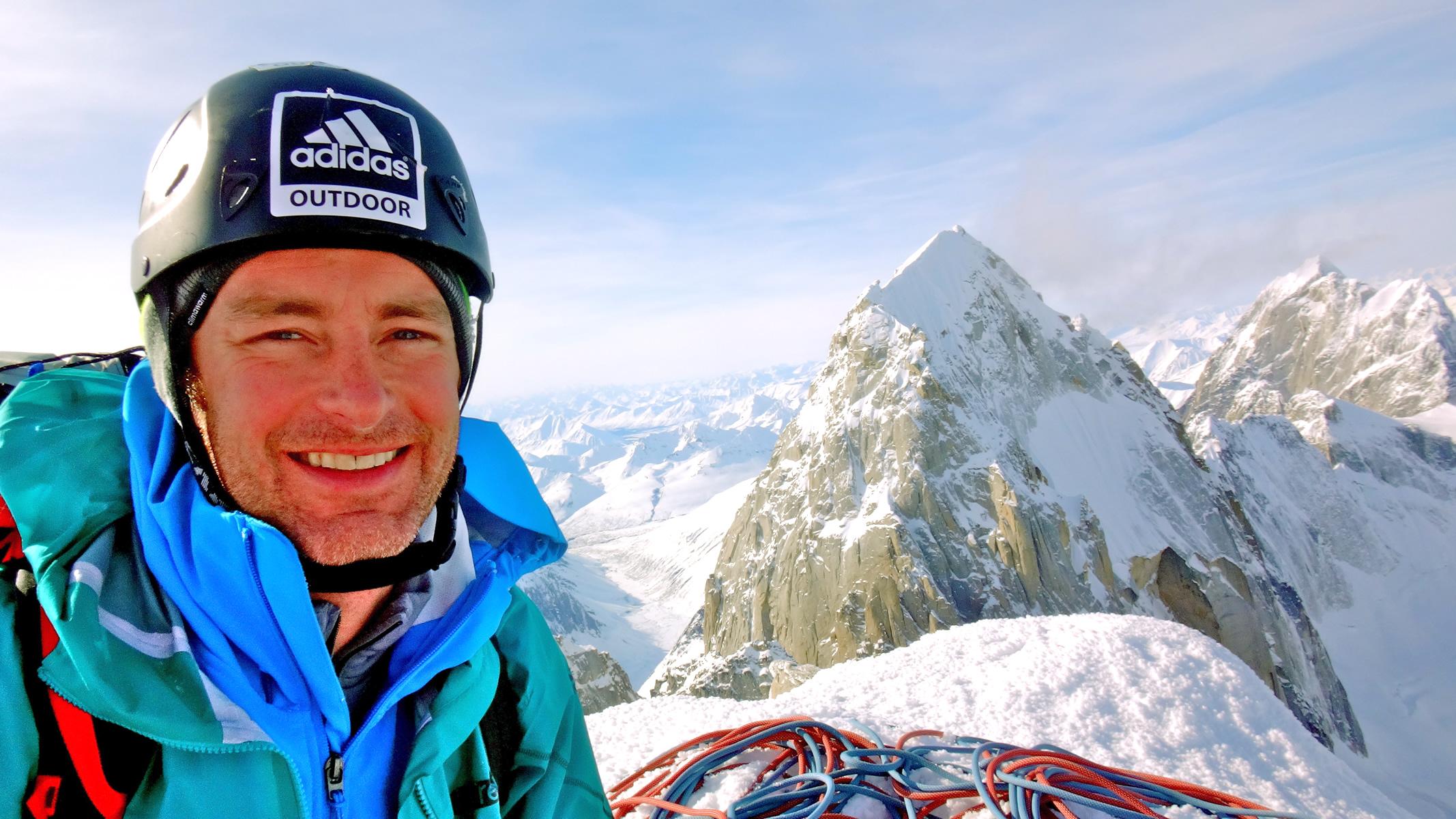 Roskelley on the summit [Photo] Benjamin Erdmann