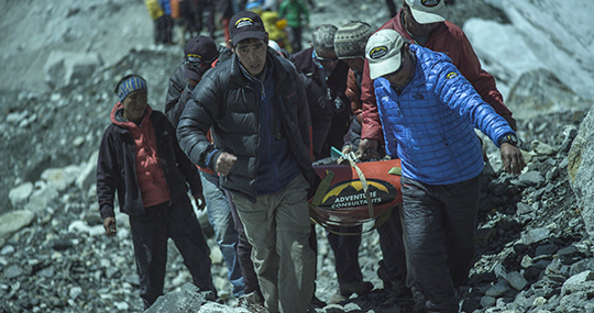 Rescue efforts shortly after ice avalanche