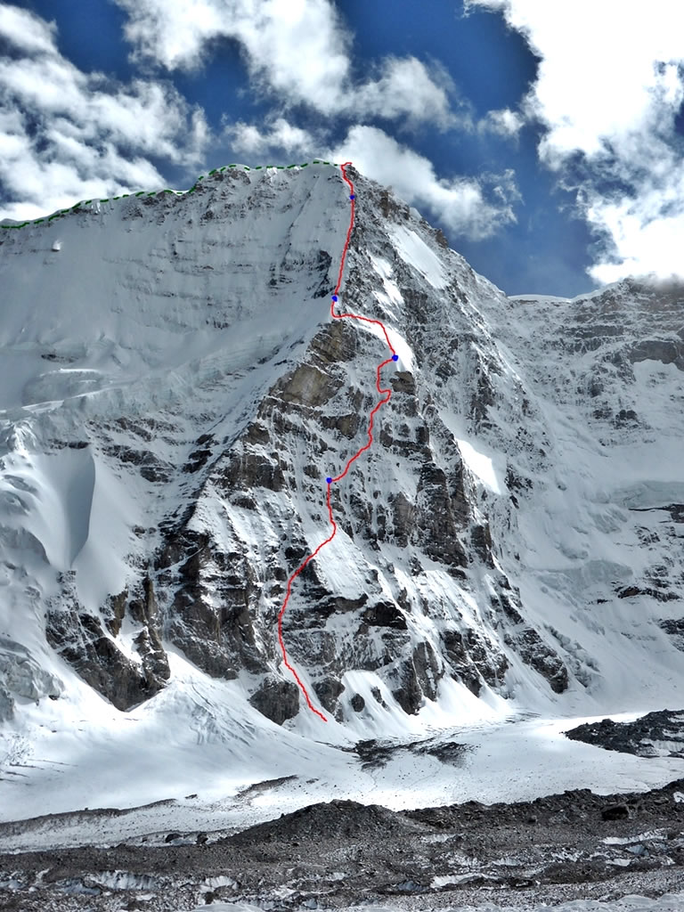 Nick Bullock and Paul Ramsden's North Buttress route (ED+ 1600m) on Nyainqentangla South East. Their descent on the east ridge is marked in green. [Photo] Nick Bullock