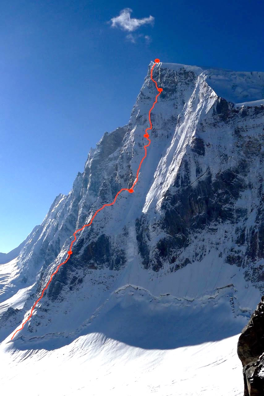 he red line shows Mick Fowler and Victor Saunders' line of ascent on Sersank Peak (6050m) via the North Buttress (ED 1100m).