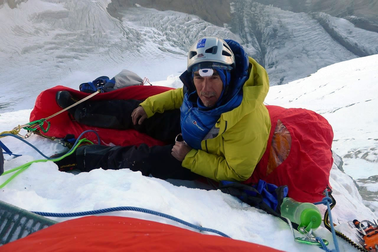 Saunders settles in for a bivy. [Photo] Mick Fowler
