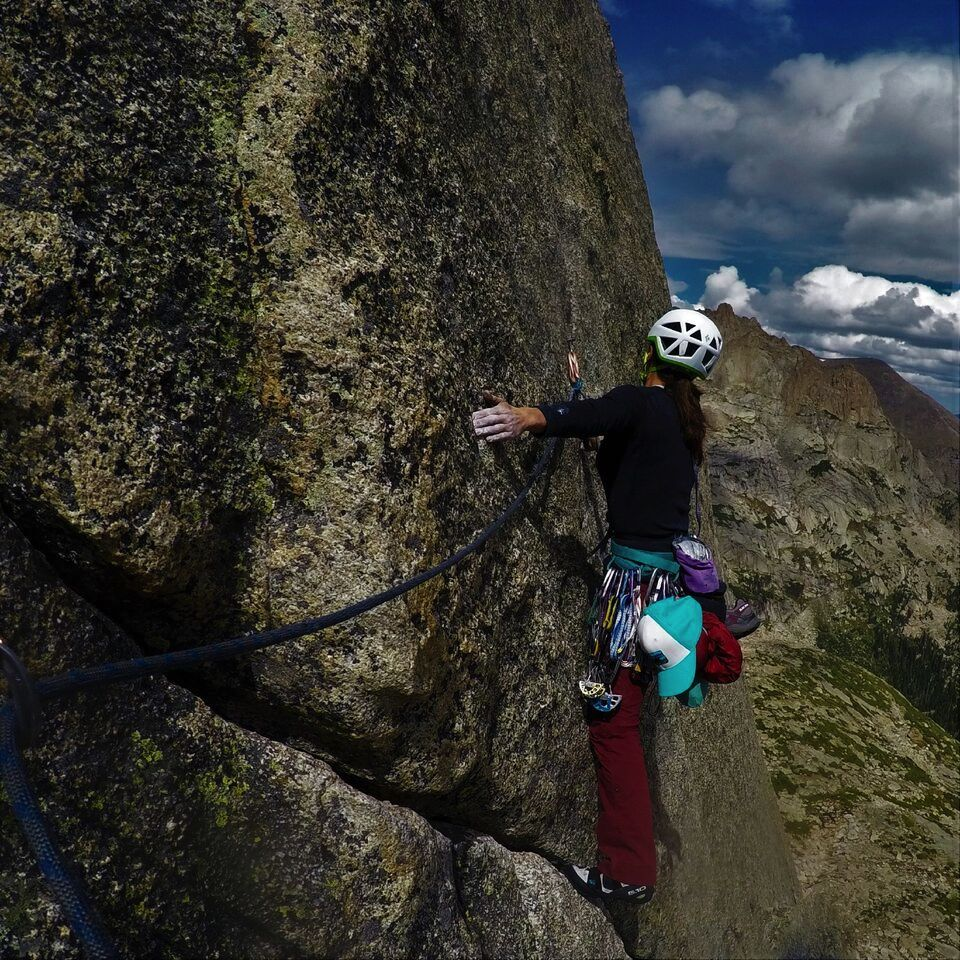 Jackie Niles traverses into the crux. [Photo] Nathan Arganbright
