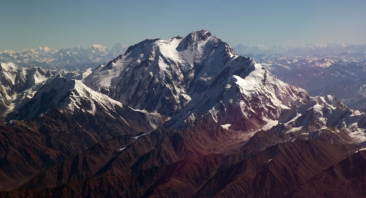Nanga Parbat's Diamir Face with the Mazeno Ridge extending toward the foreground. [Photo] Guilhem Vellut, Wikimedia
