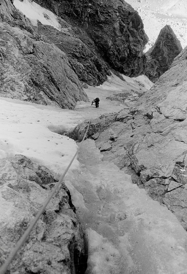 Lou Dawson on the North Face of Sulphur Peak near Peak Lake. [Photo] Michael Kennedy