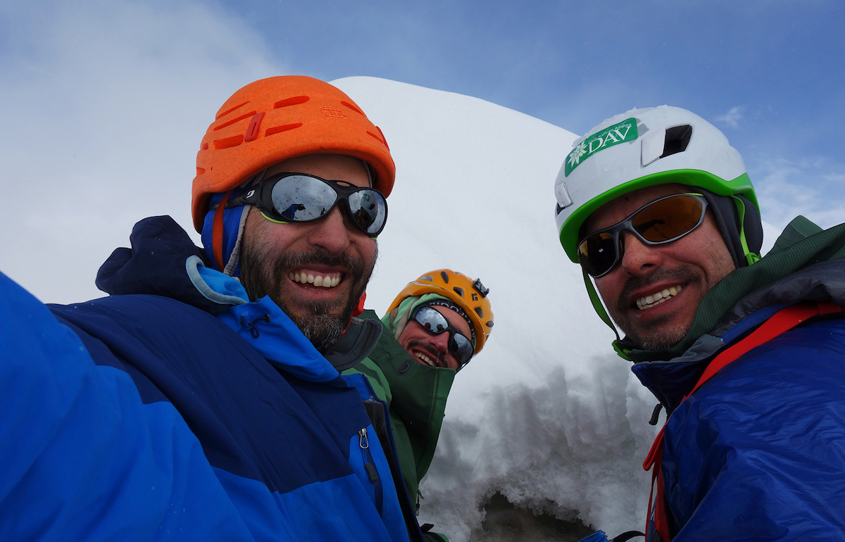 From left to right: Montero, Bosch and Mora on the summit of Mirchi. [Photo] Armando Montero