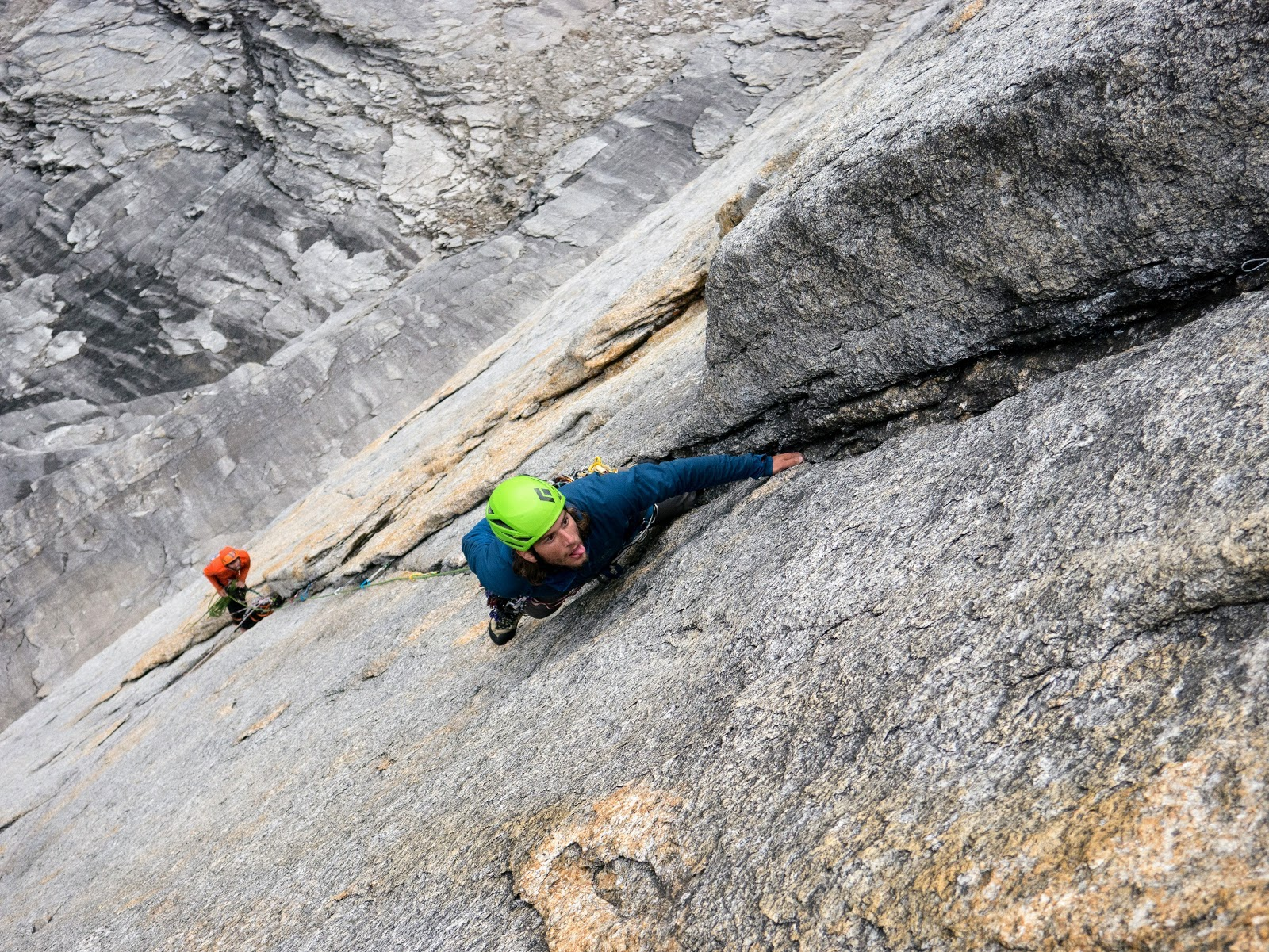 Gabe Boning contemplates the seeping Butt Crack pitch of Golden Petals (V 5.13+ or 5.12 A0, 14 pitches). [Photo] Engberg, Bain, Boning and Braasch collection