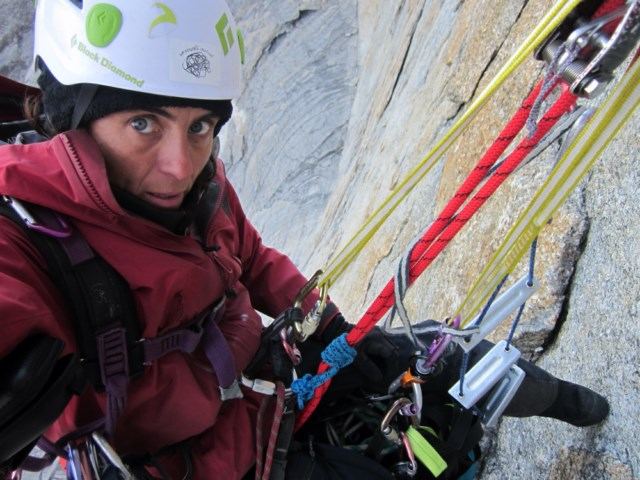 Vidal rappels with a full load after completing her solo route. [Photo] Silvia Vidal
