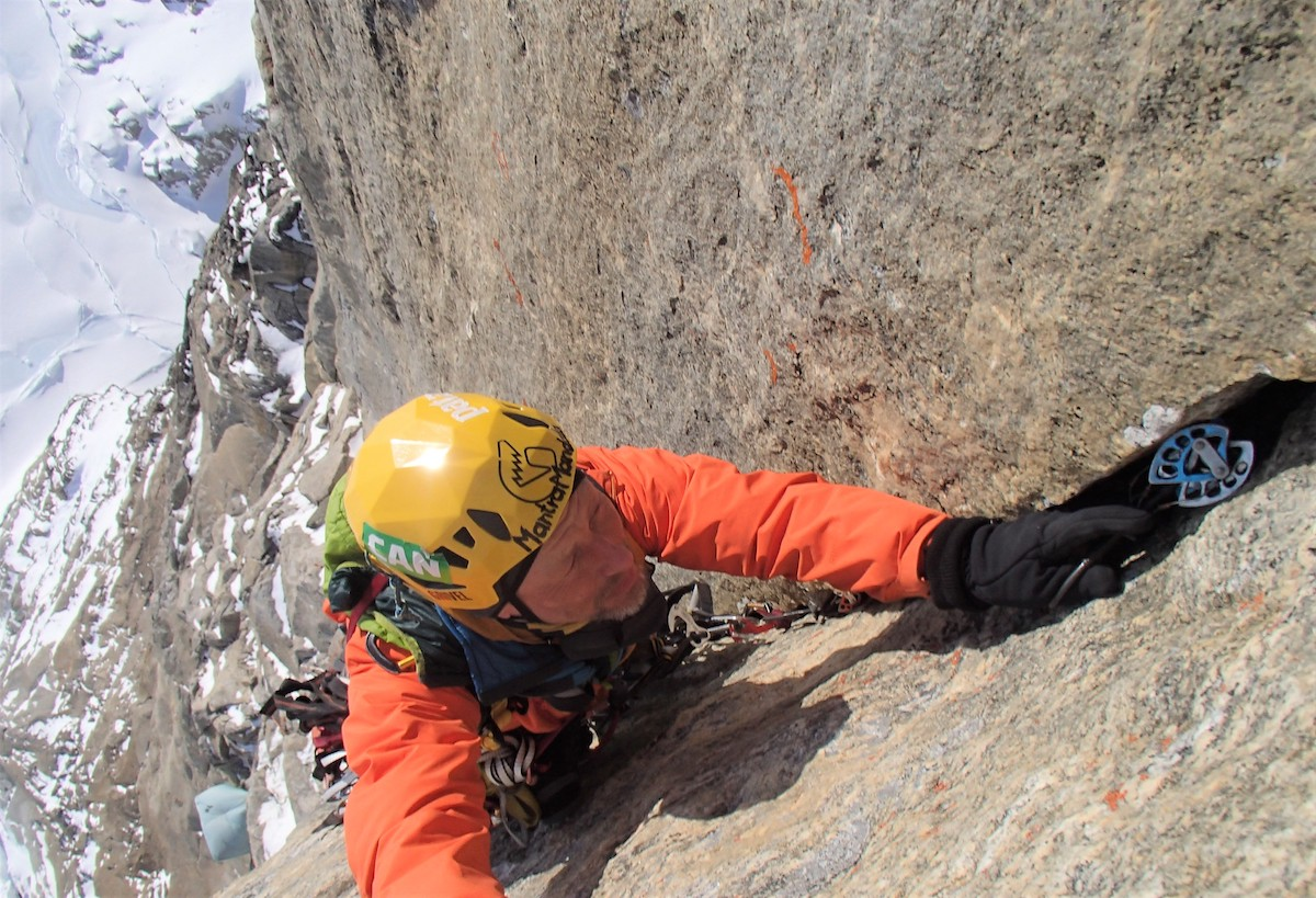 Raganowicz climbing MantraMandala. [Photo] Marek Raganowicz