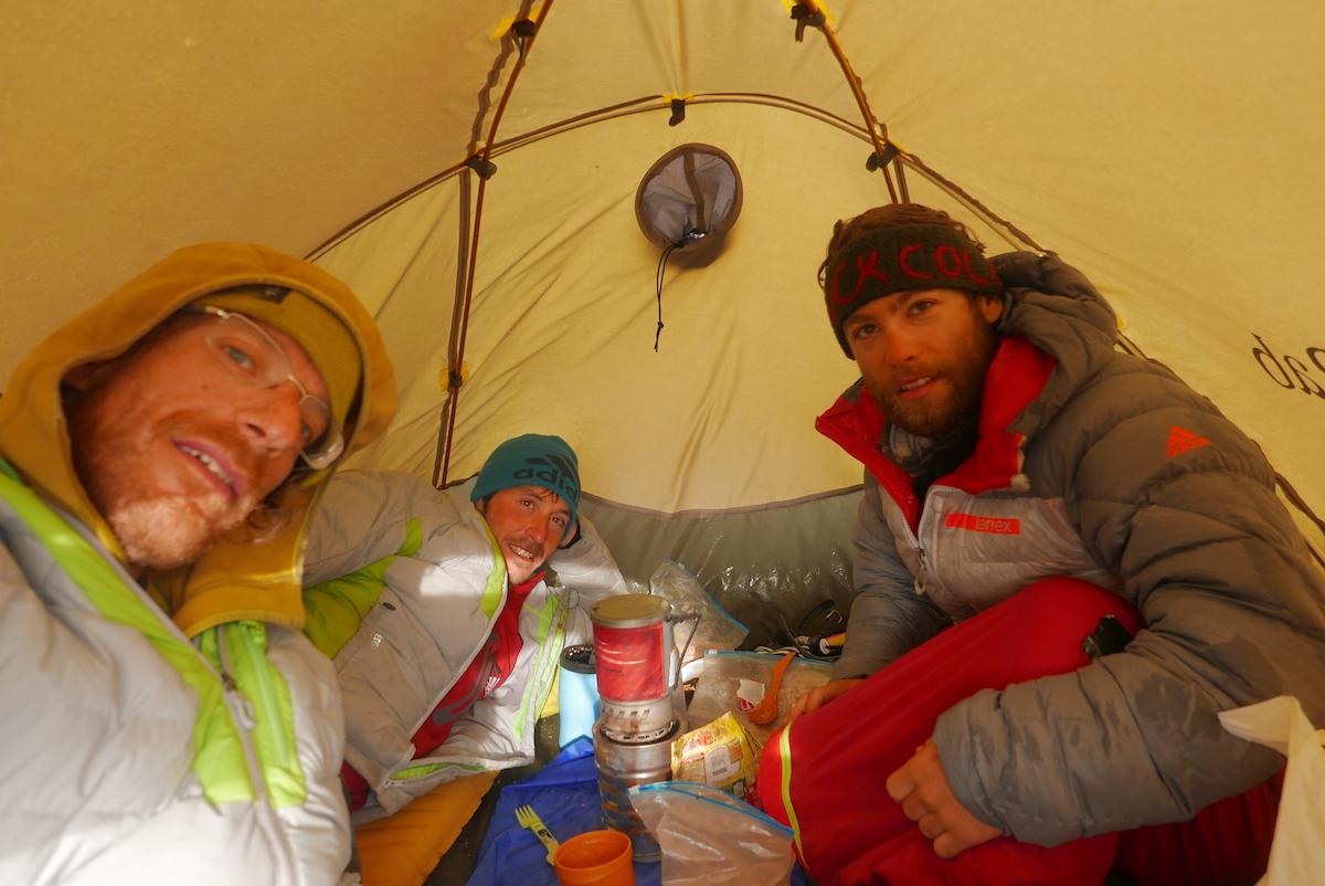 Selfie in the tent after the ascent. From left to right are Matteo Bernasconi, Matteo Della Bordella and David Bacci [Photo] Ragni di Lecco