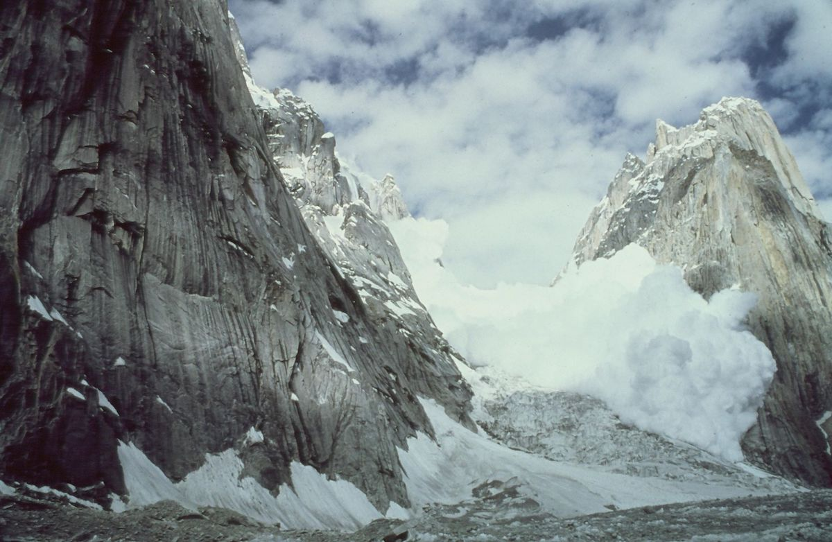 Avalanche off Great Trango Tower. The photographer is unknown, but was likely Galen Rowell. [Photo] Kim Schmitz collection