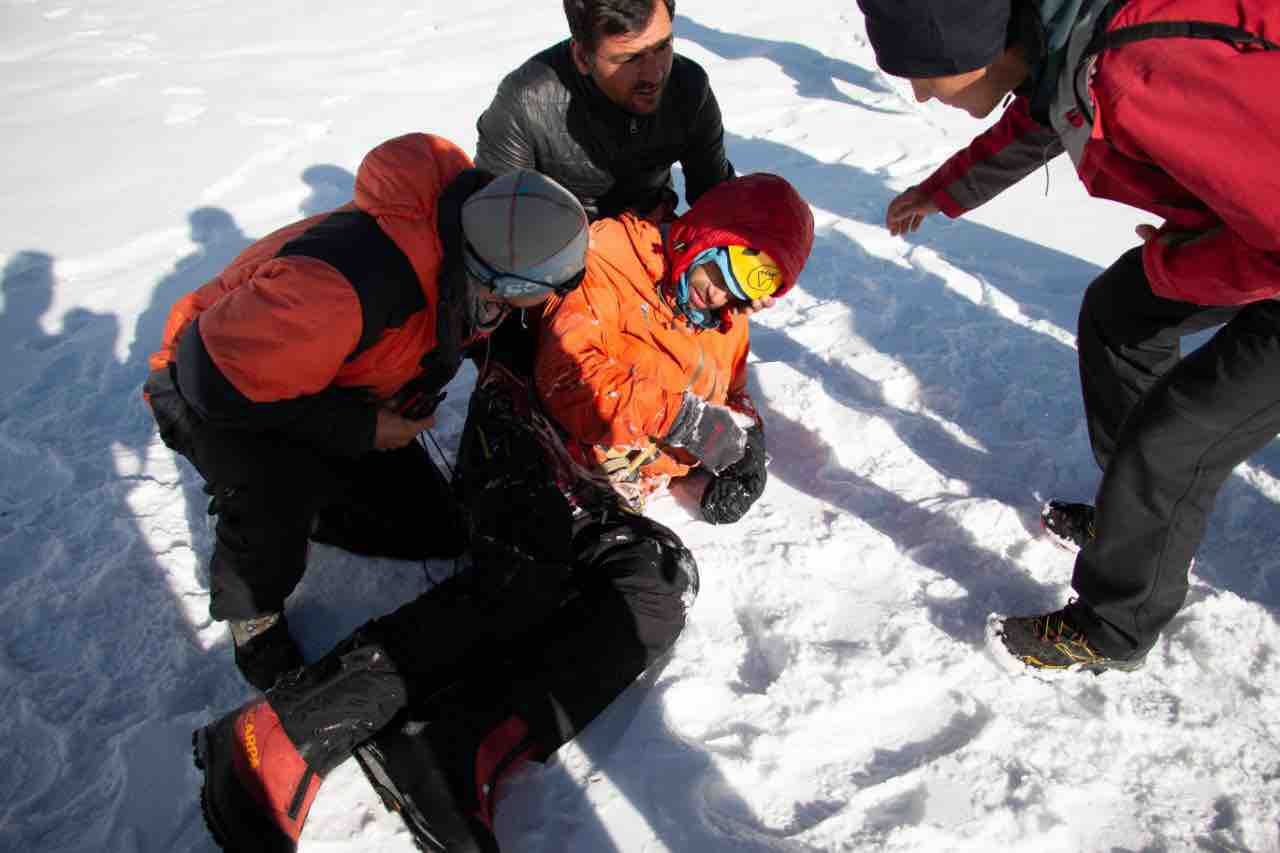 Gukov shortly after being rescued. [Photo] Courtesy of Mountain.RU