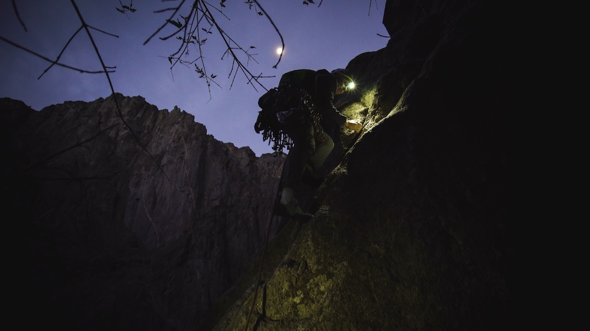 Madaleine Sorkin climbs by headlamp on Scenic Cruise in the Black Canyon on October 29. [Photo] Henna Taylor