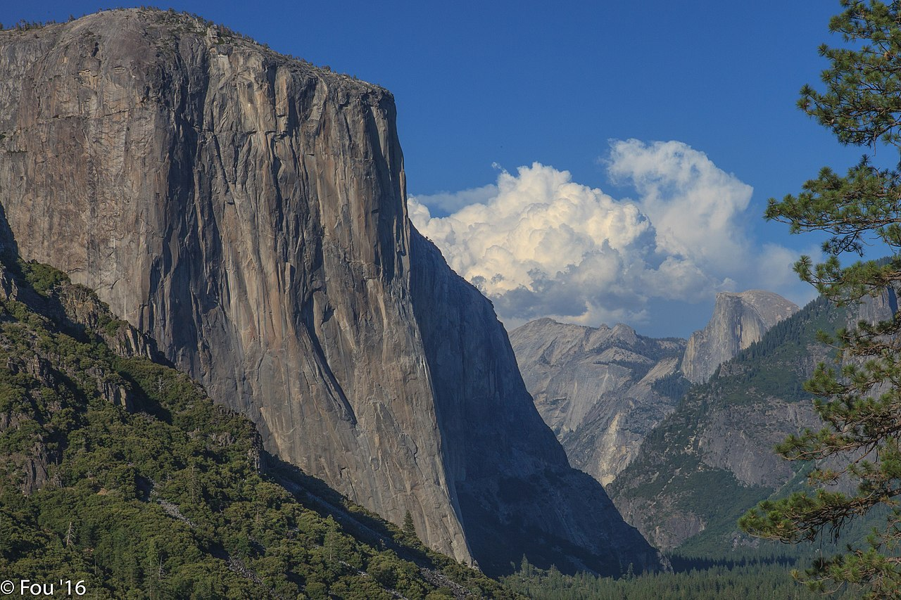 Yosemite's El Capitan with the profile of the Nose visible along the sun-shadow line. [Photo] Murray Foubister, Wikimedia