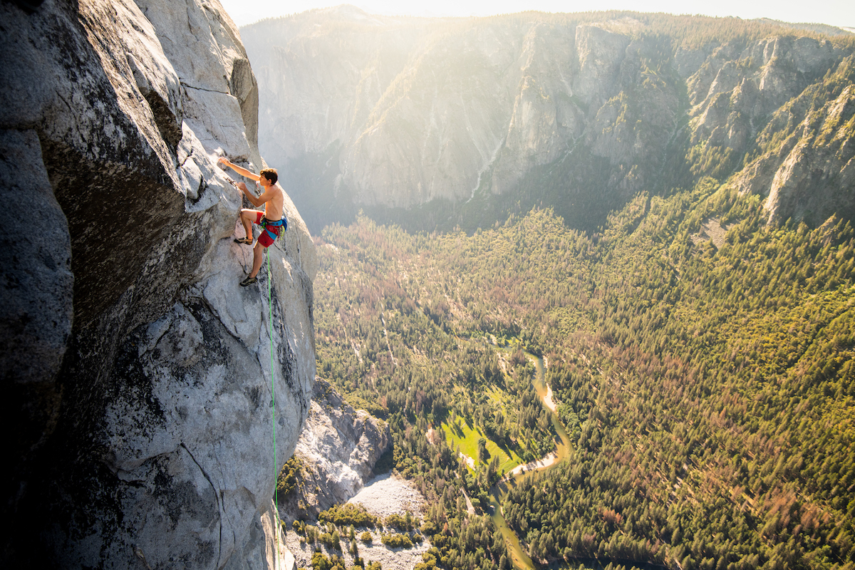 Honnold on the final pitch of the Nose on his record-setting ascent with Caldwell, June 6. [Photo] REEL ROCK Film Tour, Corey Rich