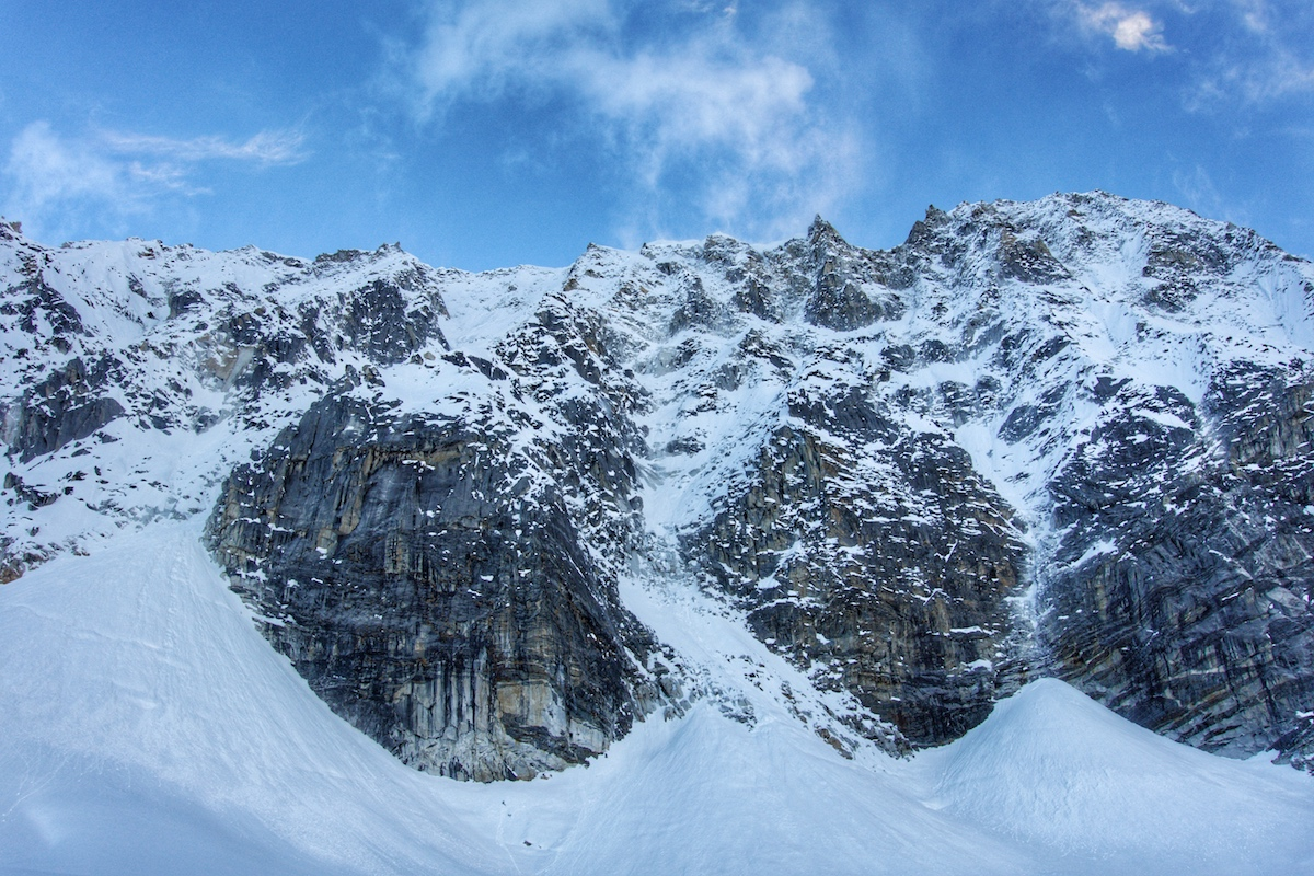 Looking up the south face. [Photo] Benjamin Billet