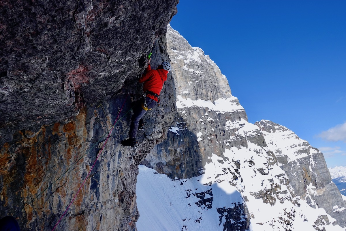 Lindic free climbing the crux roof. [Photo] Courtesy of Ines Papert, Luka Lindic and Brette Harrington