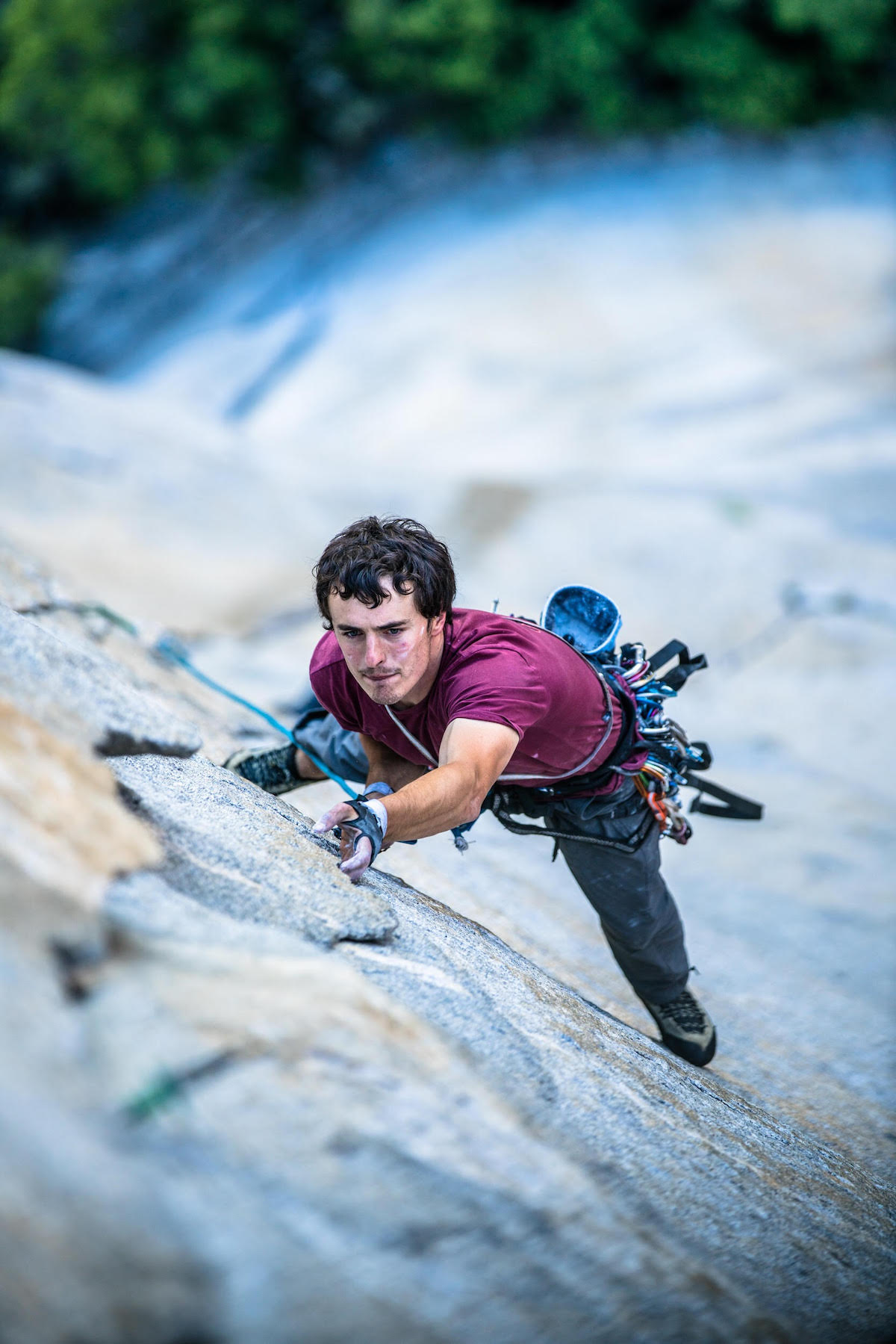 Brad Gobright climbing Lurking Fear (VI 5.7 C2, 2,000') on El Capitan.[Photo] Cheyne Lempe