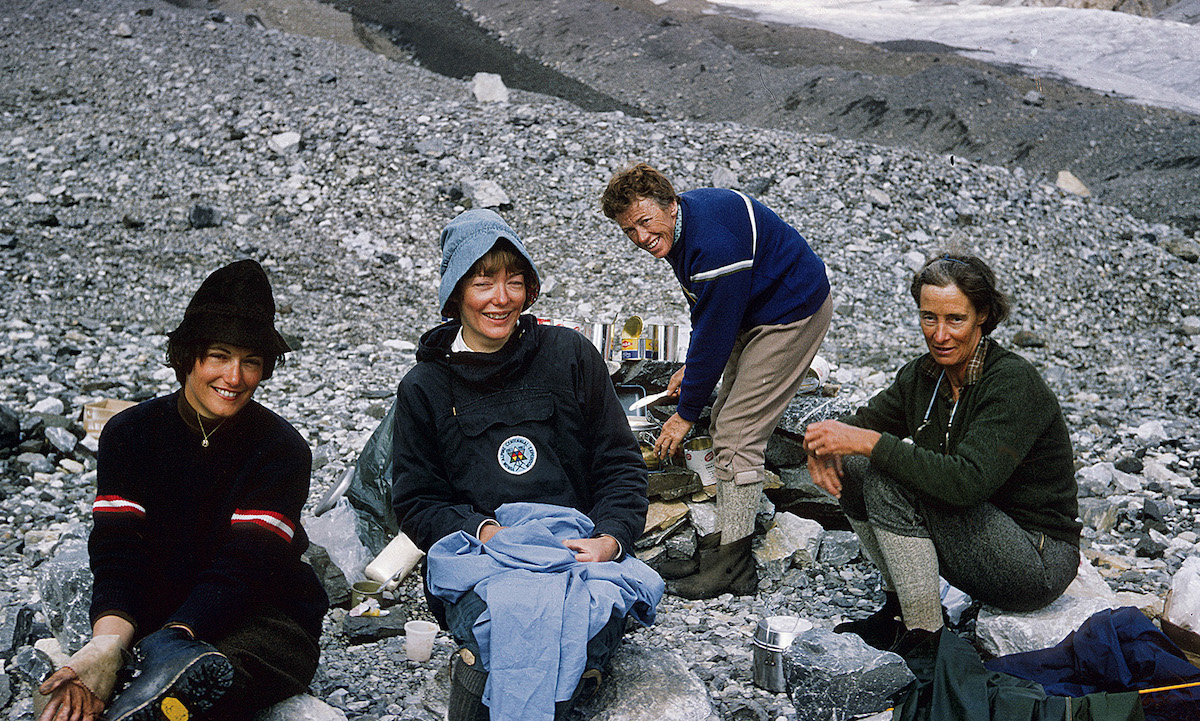 Wendy Teichmann, Andrea Rankin, Gertrude Smith and Helen Butling assemble at camp as they prepare for an attempt on the unclimbed Mt. Saskatchewan in 1967. [Photo] Courtesy Andrea Rankin