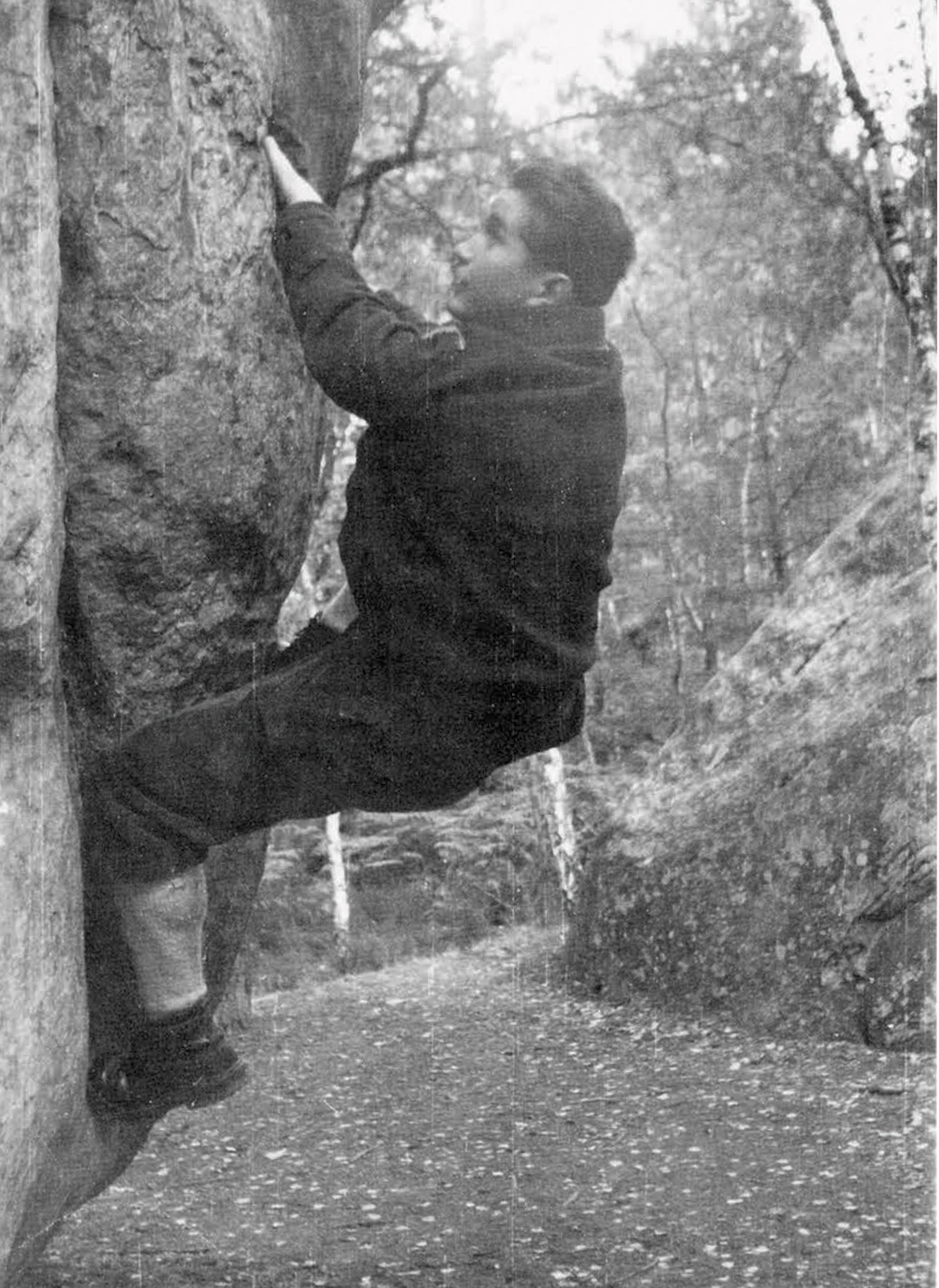 Robert Paragot in 1952 in the Merveille area of Fontainebleau. [Photo] Robert Paragot collection
