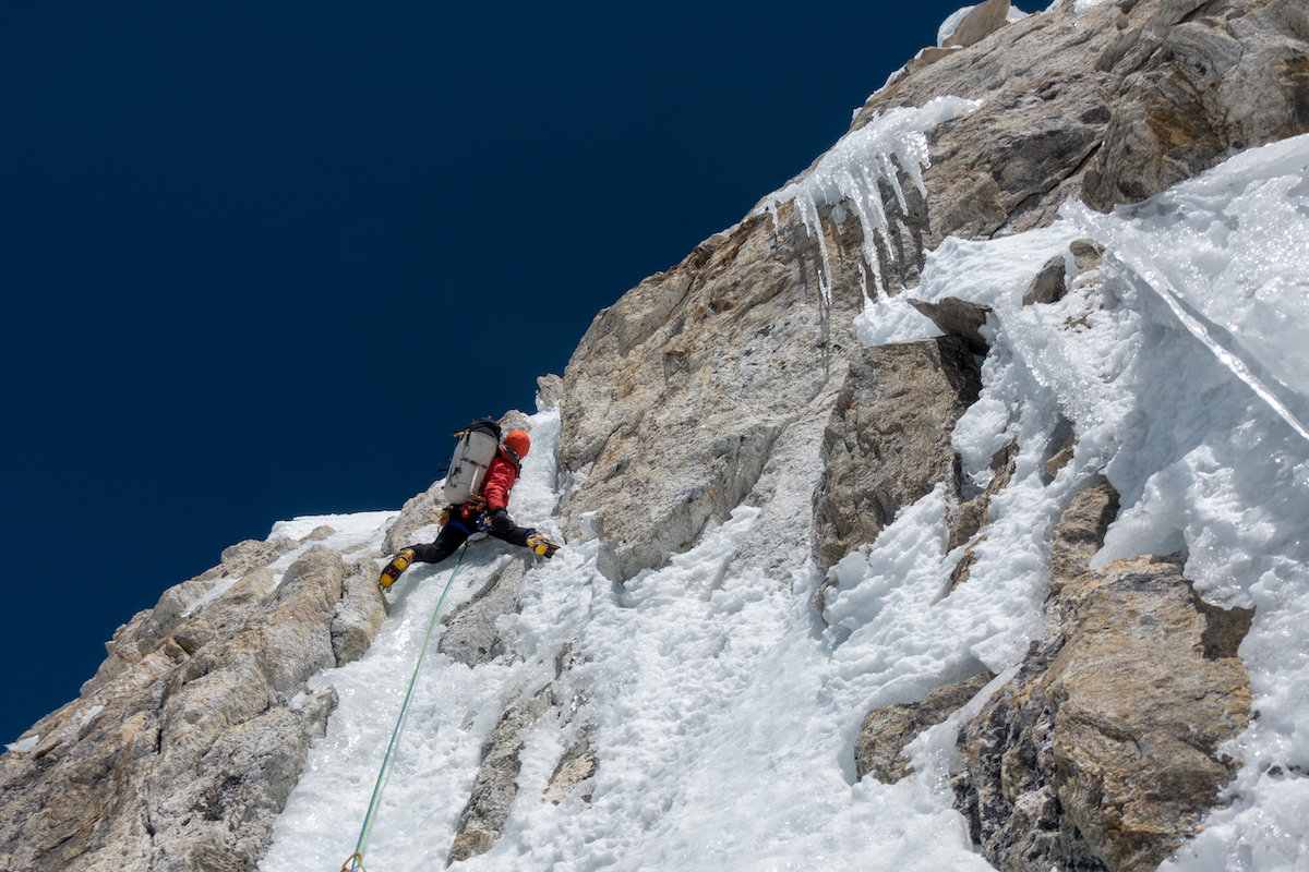 Rousseau leading the high crux of the route at 6700 meters on Day 3. [Photo] Tino Villanueva