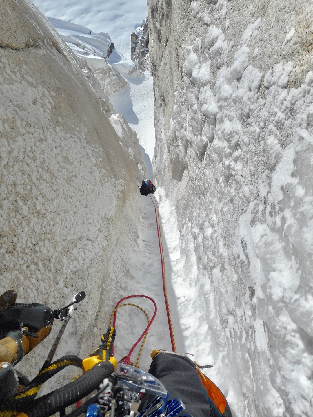 Marvell follows a pitch on the second ice hose that was even longer than the first, which the author estimated at 340 meters long. [Photo] Alan Rousseau