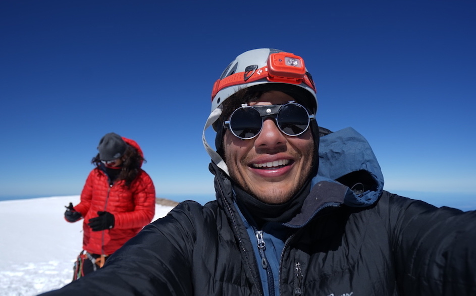 Maurico, happy to be sharing the mountain with his brother. [Photo] Maurico Portillo collection