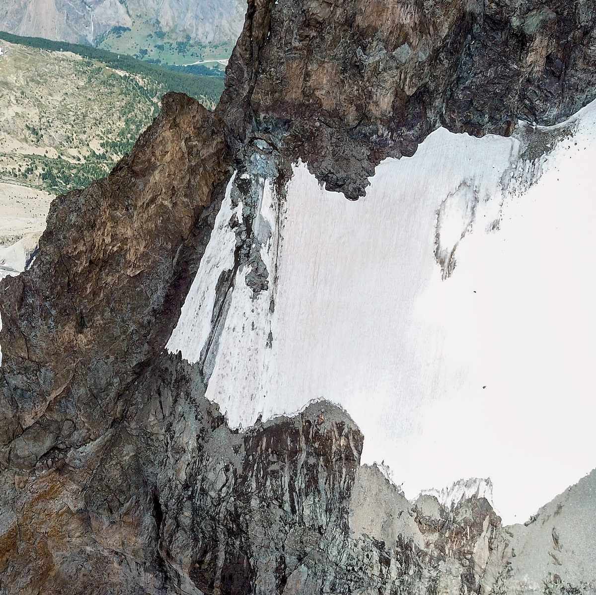 The rockfall zone on the Glacier Carre on August 19, 2018, 12 days after two pillars broke and caused a massive debris slide. [Photo] Benjamin Ribeyre, with a drone and special authorization from Parc national des Ecrins