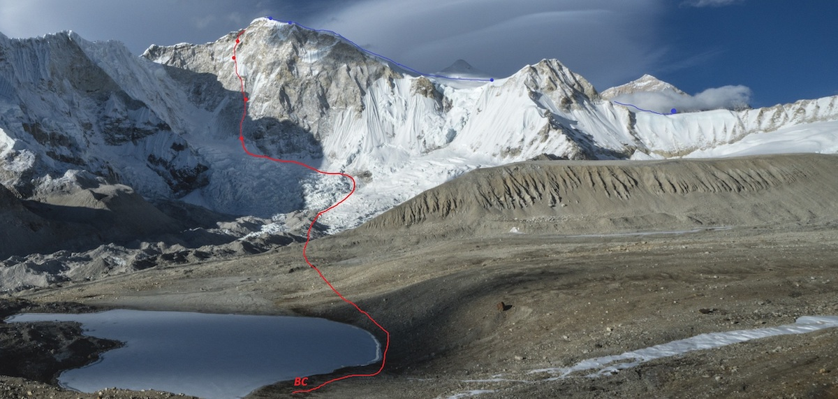Baruntse (7129m): the red line shows Heavenly Trap (ABO+: VI+ M6+ 80°, 1300m) and the blue line shows the descent route. Dots indicate bivies. [Photo] Marek Holecek collection