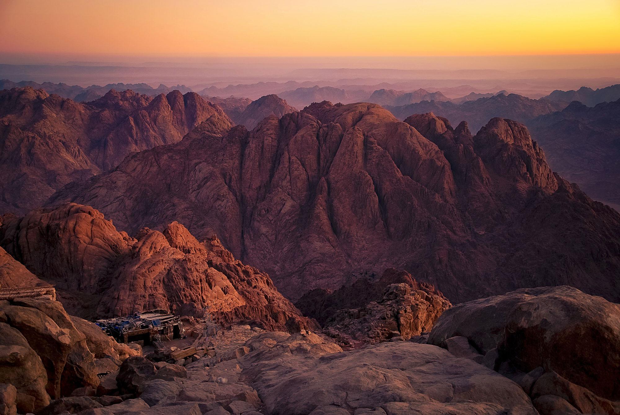Jebel Musa (2285m) in the Sinai Peninsula of Egypt, often thought to be Mt. Sinai. [Photo] Mohammed Moussa, Wikimedia