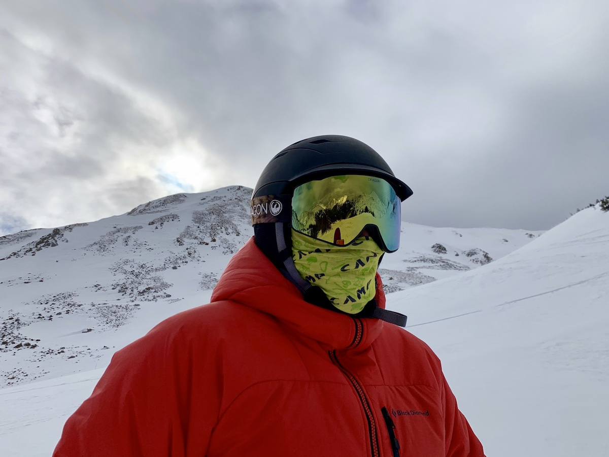 The Dragon Alliance PXV2 Snow Goggles shed fog as the author wears a nose and mouth covering to comply with COVID-19 protocols this past winter at Loveland Ski Area, Colorado. [Photo] Catherine Houston
