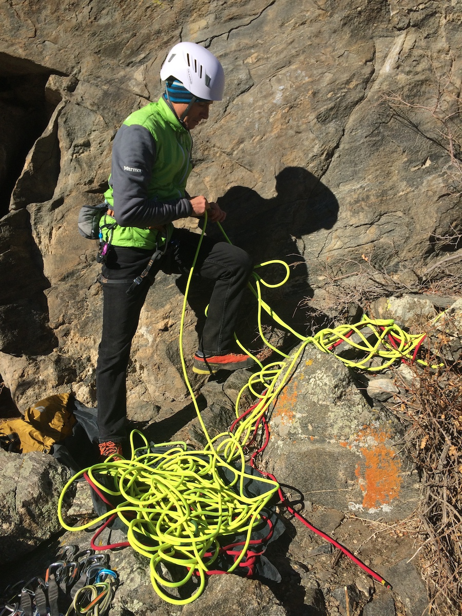 Mike Lewis stacks the Trango Agility on a rope tarp in Clear Creek Canyon, Colorado; the red rope ends are clearly distinguished from the rest of the rope. [Photo] Mike Lewis