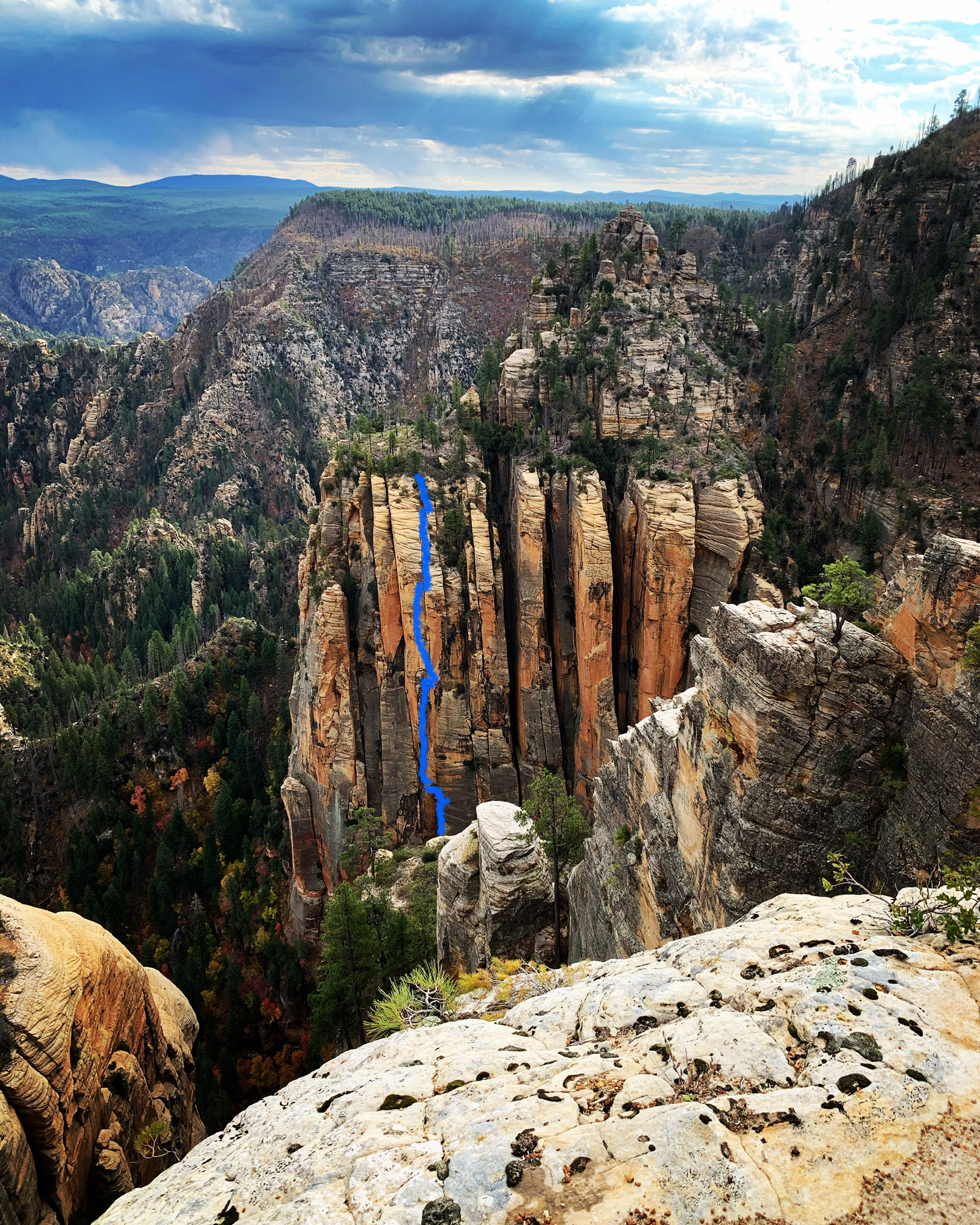 The approximate line of Cousin of Death (5.13+, 5 pitches) in northern Arizona. [Photo] Lor Sabourin